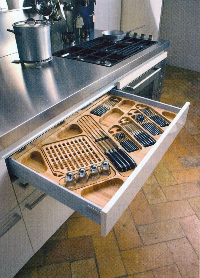 Falegnameria riganti bergamo mobili su misura treviglio for Accessori per cucina moderna