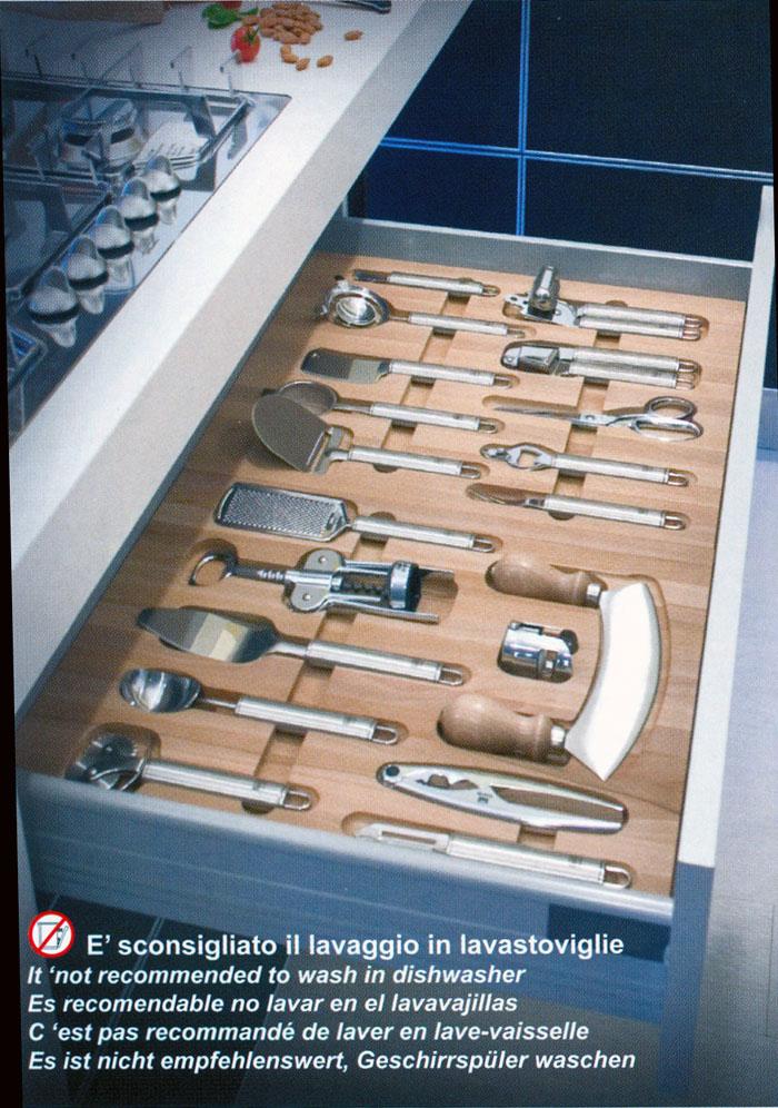Falegnameria riganti bergamo mobili su misura treviglio for Kit utensili da cucina