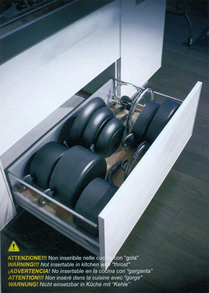 Falegnameria riganti bergamo mobili su misura treviglio - Porta coperchi pentole ...